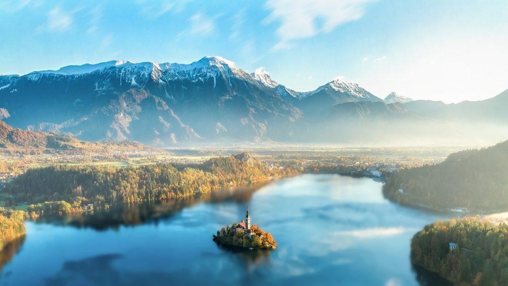 Jezioro Bled w Alpach Julijskich
