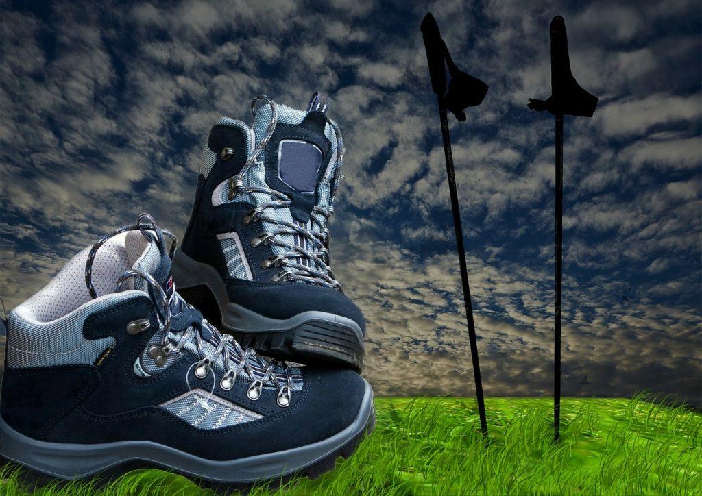 buty-trekkingowe-w-gorach.jpg