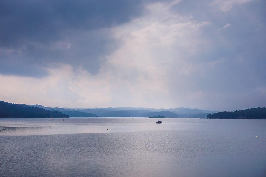 jezioro-solinskie-bieszczady.jpg