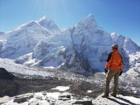 widok na Mount Everest ze szczytu Kala Pattar
