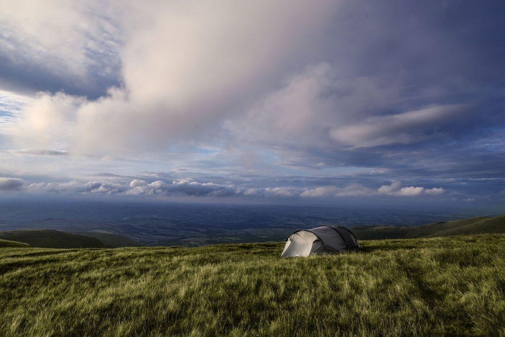 namiot na polanie