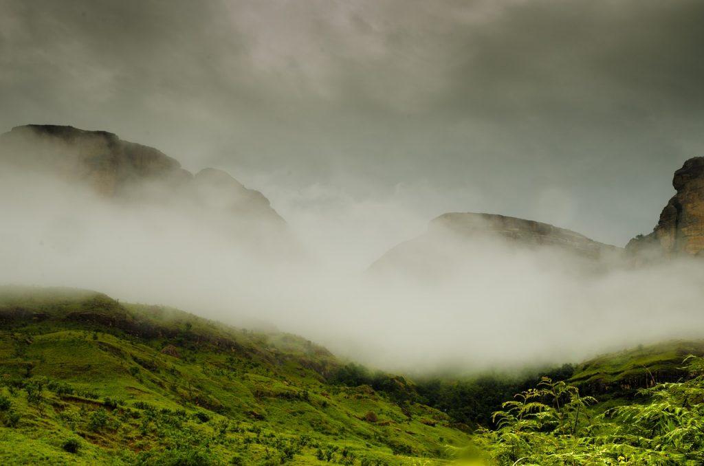 Mgła w Górach Smoczych
