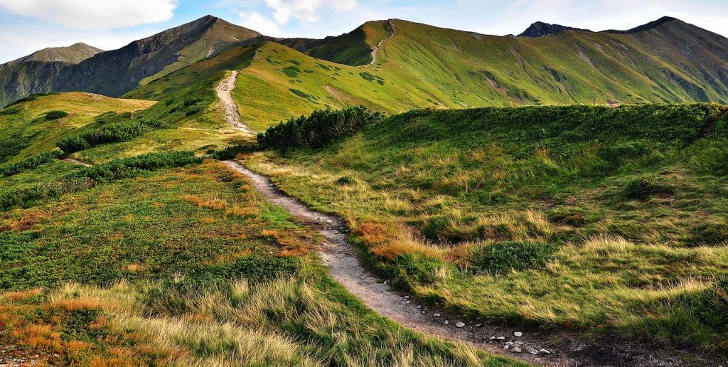 Szlaki turystyczne prowadzące na Banówkę